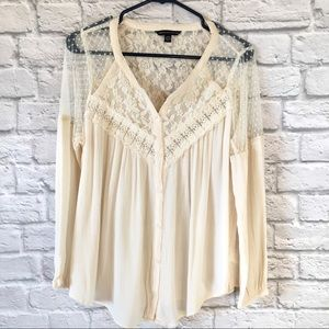 American Eagle Cream Lace Button Blouse NWOT Sz L